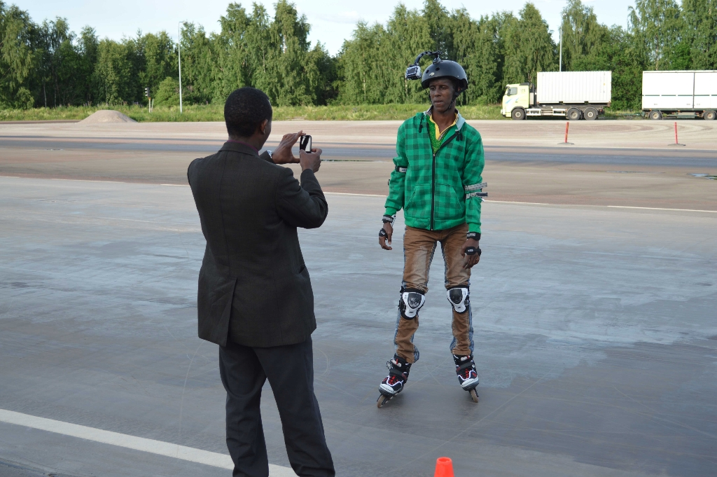 somaliska-bandylandslaget-pa-inlines-25-juni-2013-6